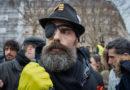 J. Rodrigues arrêté sur les Champs-Elysées :  il avait mis son masque sur l'oeil.
