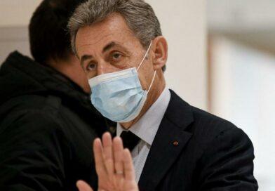 """Sarkozy : """"Si à 66 ans t'as pas de bracelet électronique, t'as raté ta vie"""""""