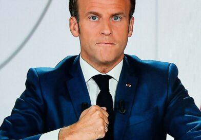 """Macron: """"Le couvre-feu pourrait passer à 19h15 pour profiter un peu du beau temps"""""""