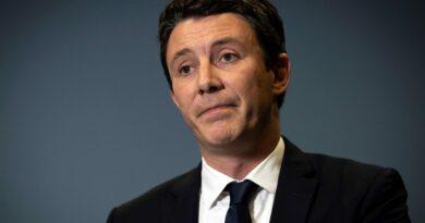 B. Griveaux arrête la politique et devient branleur officiel de Macron