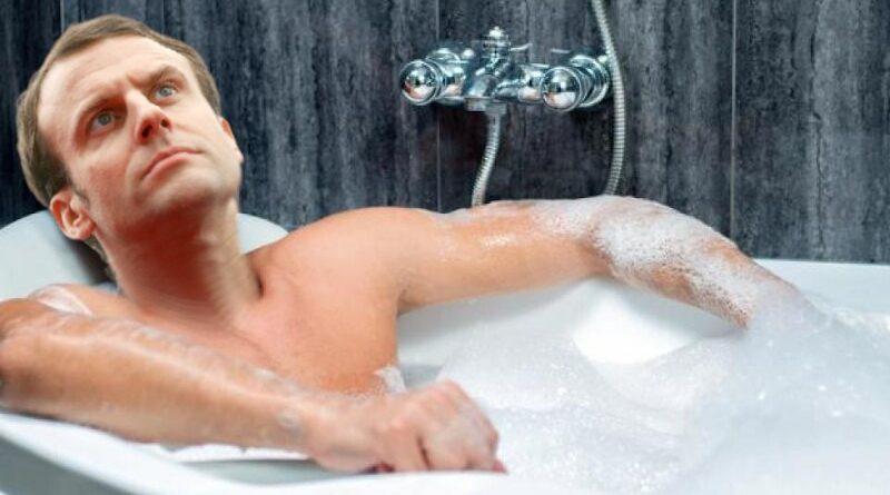 Révélations Pegasus: E. Macron pèterait dans son bain comme tous les gueux.