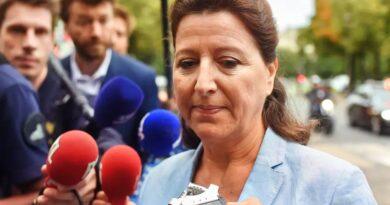 """Agnès Buzyn : """"Je vous en prie, personne n'est mort et Olivier a fait pire !"""